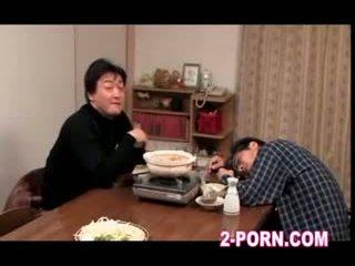 hemmafru, milf, asiatisk