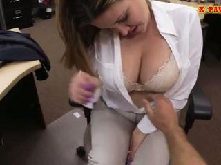 oral, sânii mari, matur