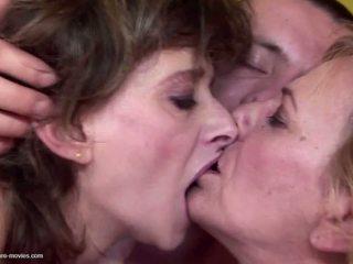Pieauguša gangbang ar pee un bez limits: bezmaksas porno 80