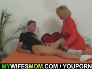 Mother-in-law fucks sie sohn im gesetz