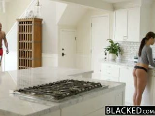 Blacked prietena adriana chechick cheats cu o uriaș negru pula