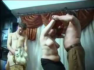 Rusinje svinger zabava