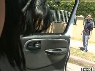 Abella anderson follando en un automático