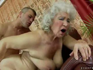 бабуся, бабуся, мами і хлопчиків