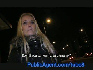 Publicagent секси блондинки fucks ми в а публичен място