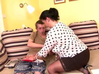 Tabu posh maduros mãe sedução jovem filho, porno b5
