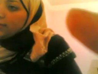 Arab 女の子 gets ファック バイ 白 guy 生きる @ www.slutcamz.xyz