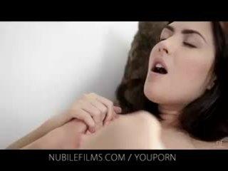 Nubile फिल्म्स - उसकी गॉर्जियस गर्लफ्रेंड licks पुसी इसलिए अच्छा