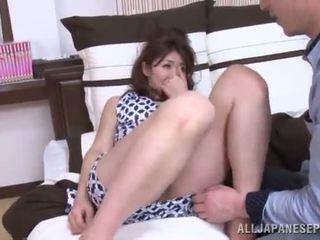 Riri takes jį į jos vieta ir exposes kas ji yra pajėgus į padaryti