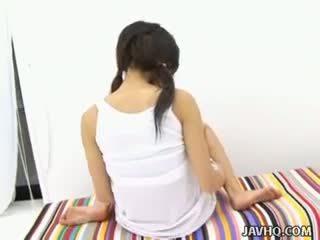 Haruka aida caliente asiática adolescente solo