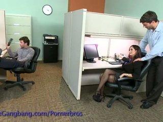 Coworkers sila a double penetration na ju