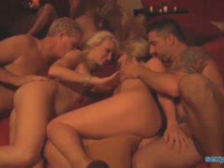 Tukar-menukar pasangan pesta pesta liar dengan 6 couples