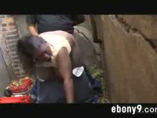 Vet zwart drug addict neuken outdoors
