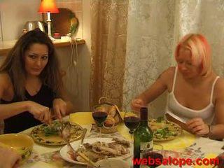 Frans le diner des lesbiennes 10