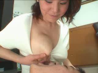 velká prsa, japonsko, zralý