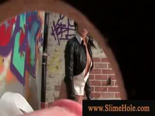Glam кучки toying с през дупка хуй в на restroom