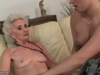 pissing, shaved pussy, lesbiete