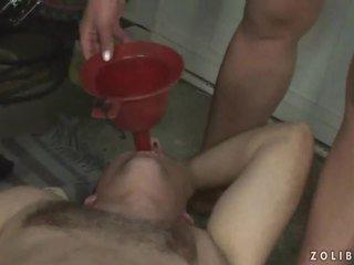 Extreem ruw urineren trio