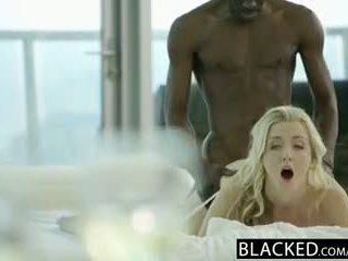 Blacked 令人惊叹 金发 karla kush takes 大规模 黑色 公鸡