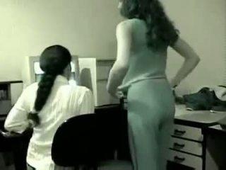 Indijke lezbijke v pisarna