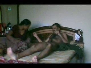 Vedę indiškas pair seksas scandal