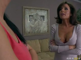Sexy milf veronica avluv geneukt en squirts video-
