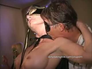 Masked μεγάλος κλειτορίδα όργιο μητέρα που θα ήθελα να γαμήσω has 2 cums eaten standing flat επί πίσω μακρύς edit