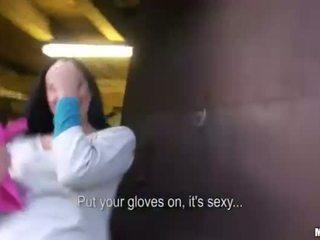 Slutty amateur railed in de trein yard