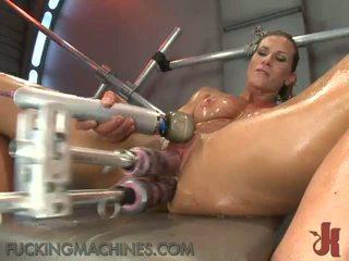 lielas krūtis, hd porno, drātēšanās mašīnas