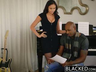 Blacked estouro estrela ariana marie primeiro inter-racial