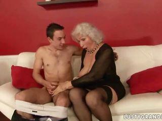 Lusty นมโต รุ่นยาย ร่วมเพศ ด้วย a เด็กผู้ชาย