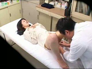 变态 医生 uses 年轻 病人 02