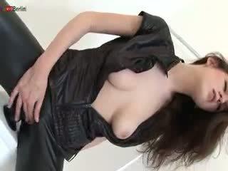 brunete, bērns, masturbācija