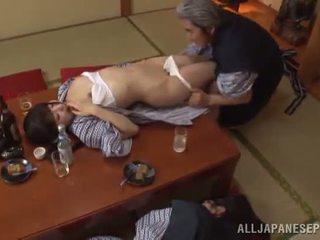 Sleaze arisa has เธอ ญี่ปุ่น น้ำผึ้ง pot shaged โดย แก่แล้ว guy