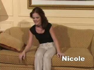 Hypno nicole gehypnotiseerd en had haar strongest orgasme van haar leven.