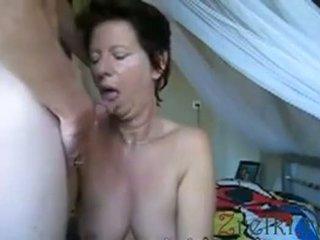Facefuck eldre mamma kone