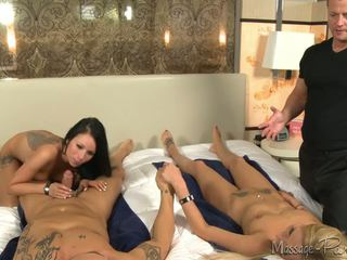 Nikki Seven Leads This Couples Massage Down The Foursome Way