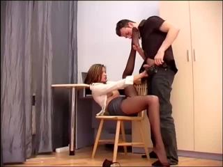 Sekretāre birojs sekss uz sheer crotchless hosiery