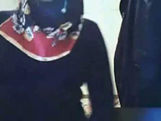 Video - hijab tüdruk näitamist perse edasi veebikaamera