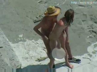 Nuogas paplūdimys seksas karštas mėgėjiškas pora