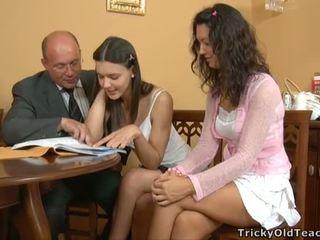 フェラチオ のために a 角質 教師
