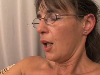 brunettes, milfs, old+young