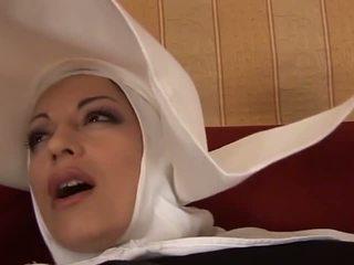 Quente anal italiana freira: grátis milf porno vídeo f4