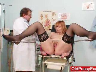 Scarlet head gran gash yawning at gyno clinic