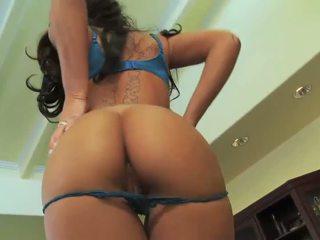 Mya Nichole spreads her ass