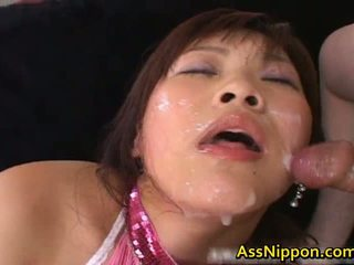 Haruka andou asiatique ado salope gives