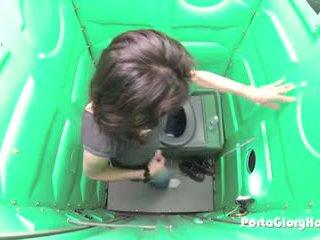 Porta gloryhole μητέρα που θα ήθελα να γαμήσω hones αυτήν bj skills σε δημόσιο