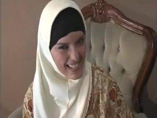 Arab muslim with nice süýji emjekler gets fucked doggy style