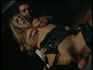 Selen having sexin the kinoteātris