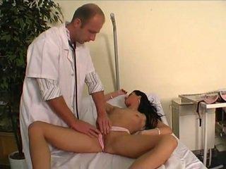 Doktor jebanie jeho mladý pacient